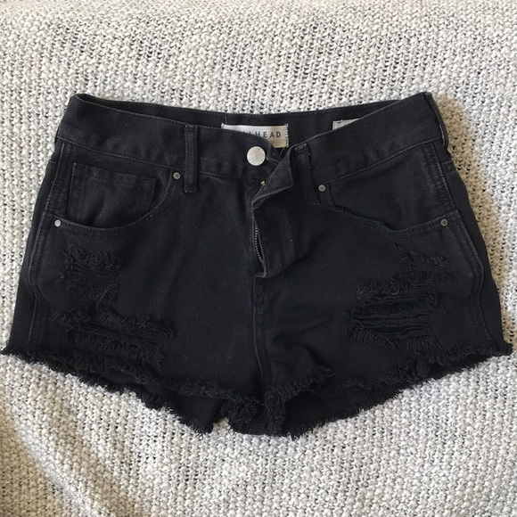 Bullhead Pants - High rise black jean shorts
